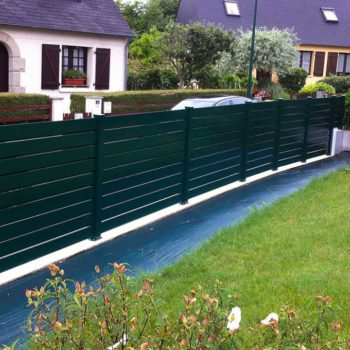 clôtures vertes sapin