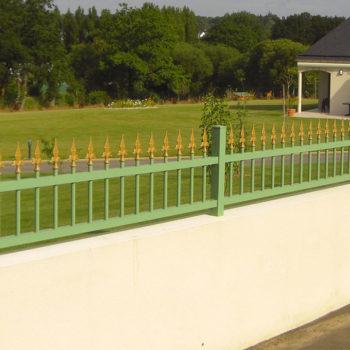 clôtures basses vertes