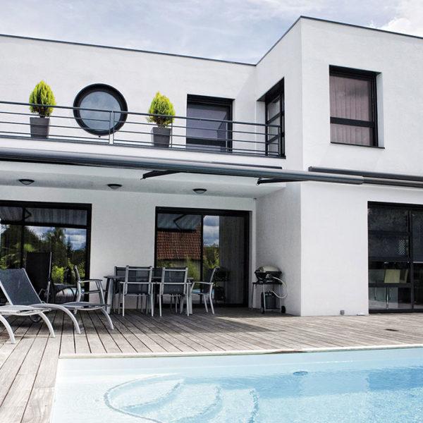fenêtres et baies aluminium sur piscine