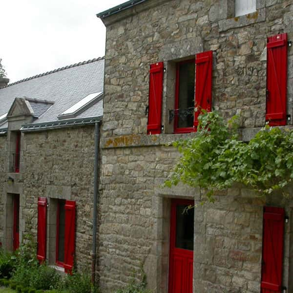 fenêtres aluminium rouges