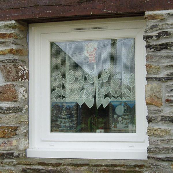 petite fenêtre en pvc