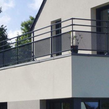 garde-corps bleus balcon