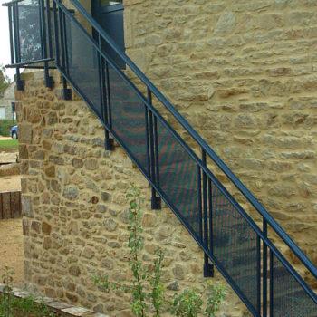 garde-corps escaliers bleu marine