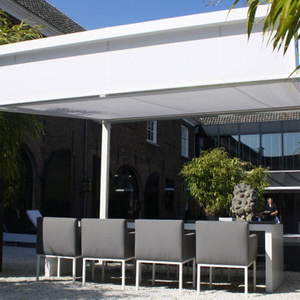 pergola toile blanche sur terrasse