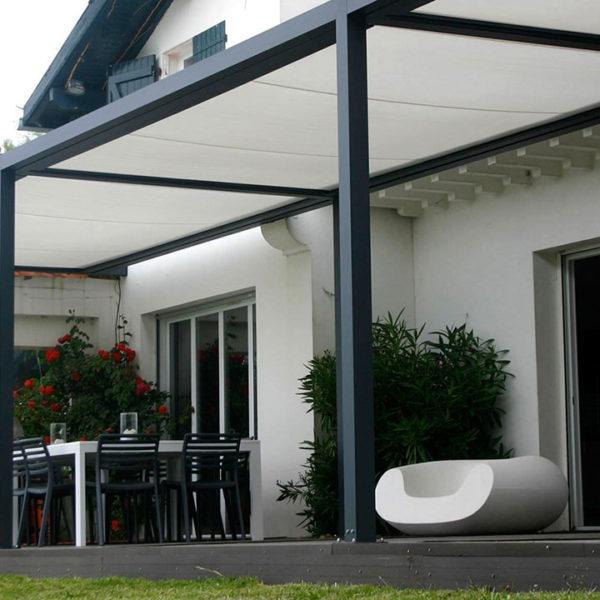 pergola grise toile blanche grande terrasse