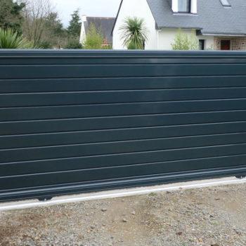 portail aluminium contemporain vert sapin