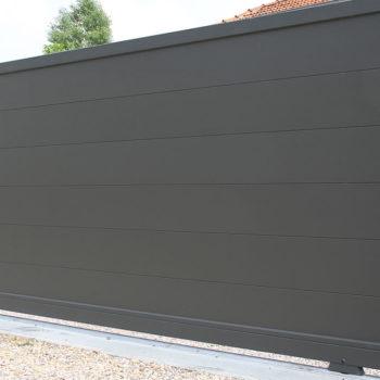 portail aluminium contemporain gris foncé mat