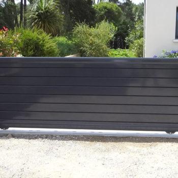 portail aluminium contemporain bas gris foncé