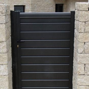 portail aluminium contemporain portillon noir