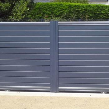portail aluminium contemporain gris
