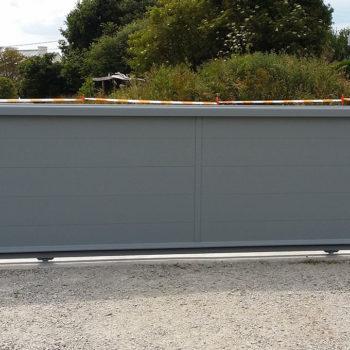 portail aluminium privilège coulissant gris clair