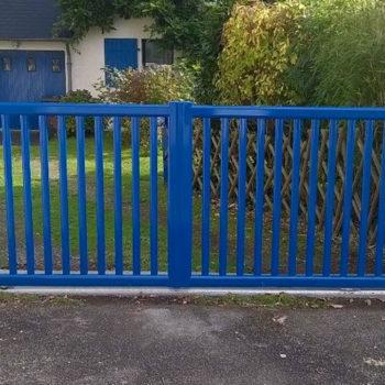 portail aluminium privilège ajouré bleu
