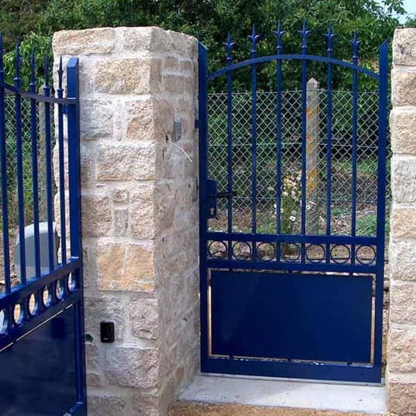 portail et portillon aluminium traditionnel bleu marine