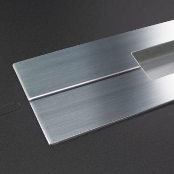 porte d'entrée aluminium noire détail