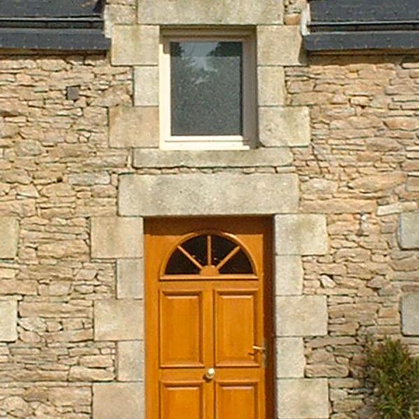 porte d'entrée bois arc vitré