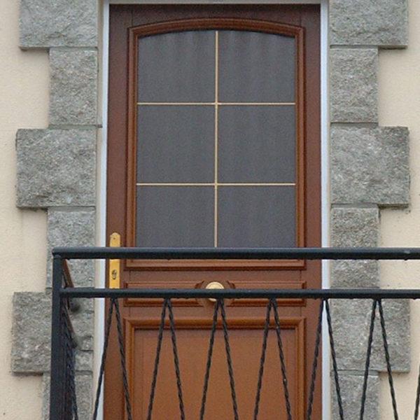 porte d'entrée bois avec vitre