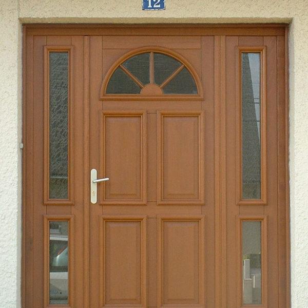 porte d'entrée bois vitres sur les côtés