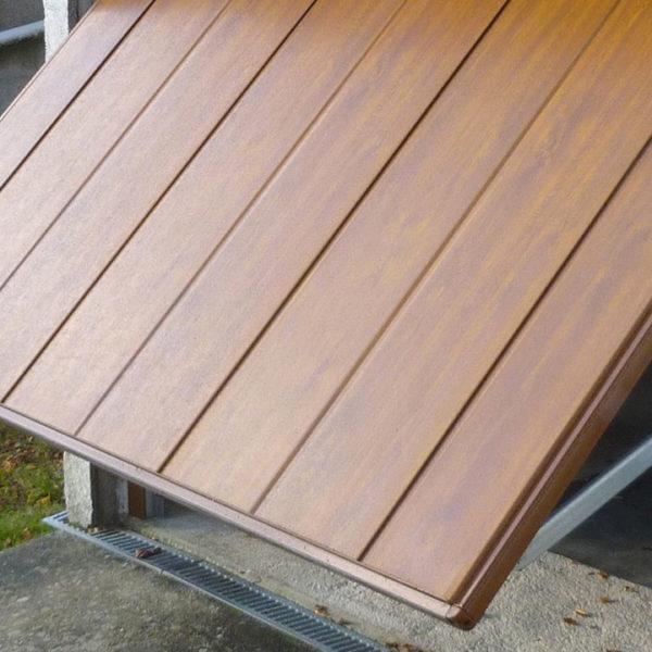 porte de garage basculante en bois
