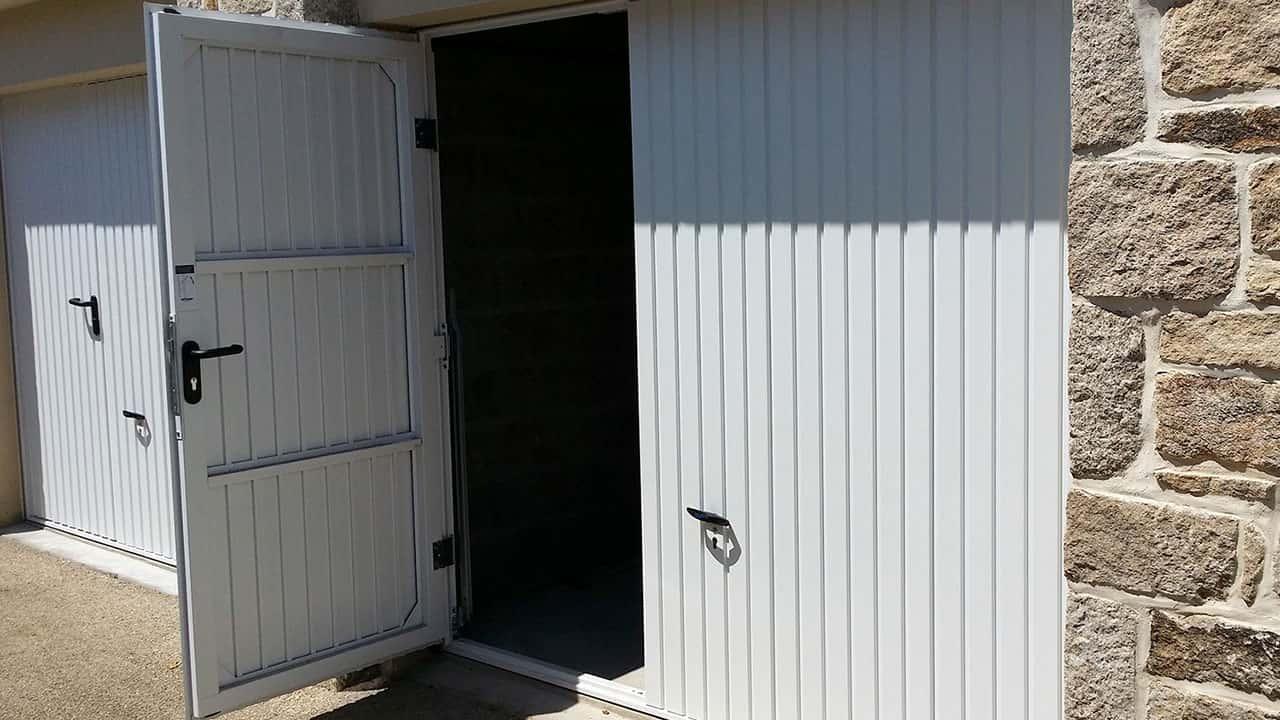 portes de garage basculantes le plus large choix de. Black Bedroom Furniture Sets. Home Design Ideas