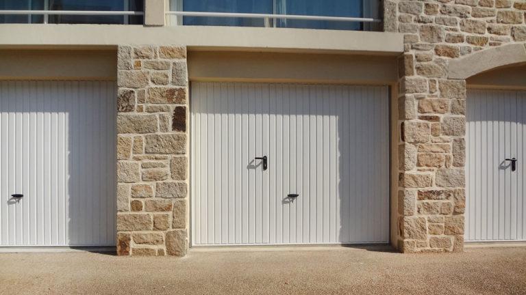 portes de garage basculantes avec portillons (face)