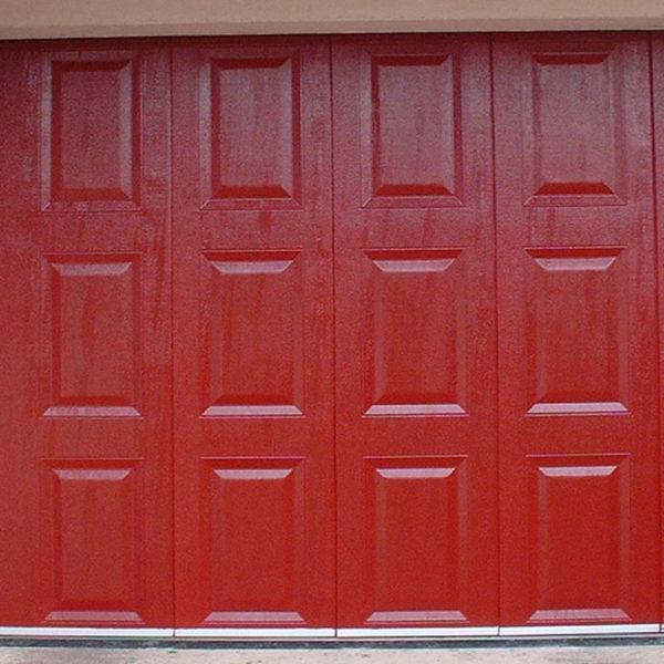 porte de garage latérale rouge effet bois