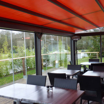 véranda terrasse d'un restaurant