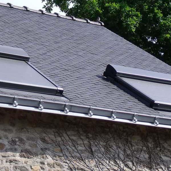 volets pour fenêtres de toit fermés