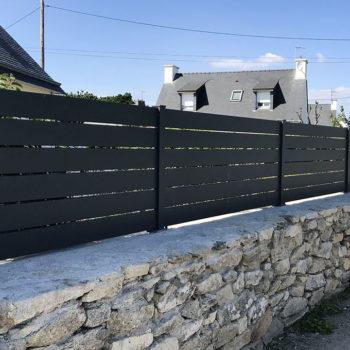 clôtures modernes noires