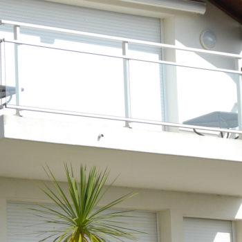 garde-corps balcon blanc vitré