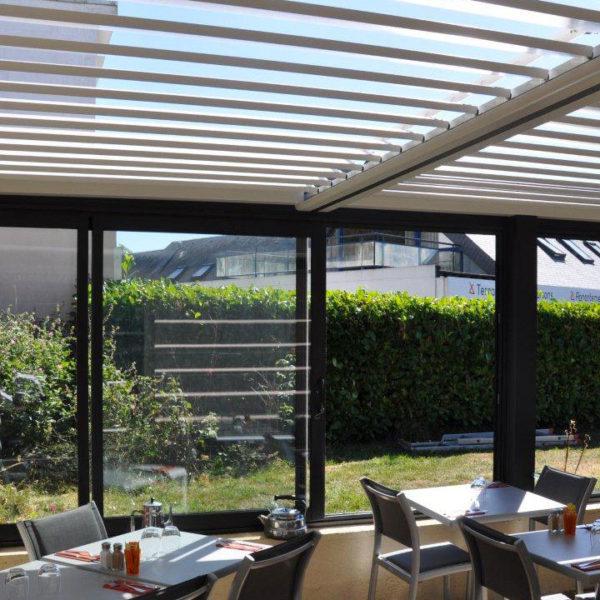 pergola bioclimatique restaurant