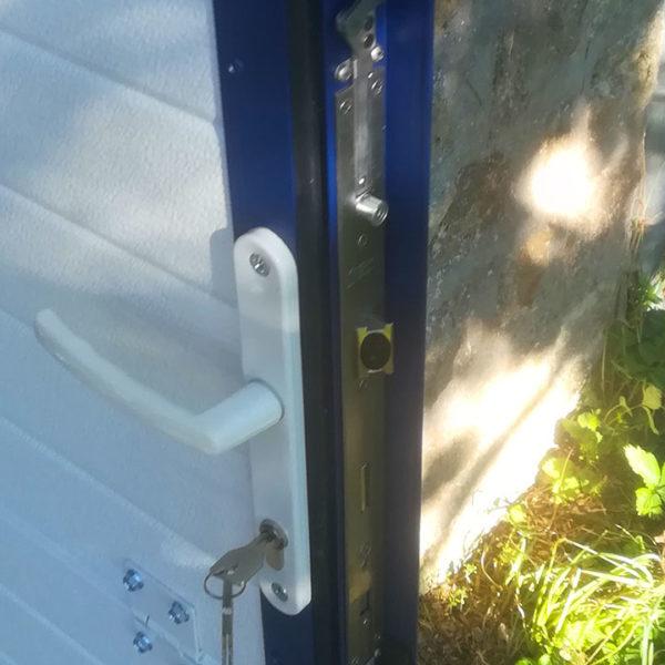 porte de garage sectionnelle détail poignée