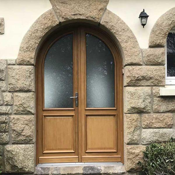 porte d'entrée bois avec vitres en haut